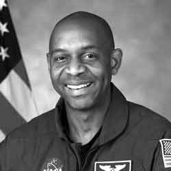 photo of astronaut Robert L. Satcher, Jr.